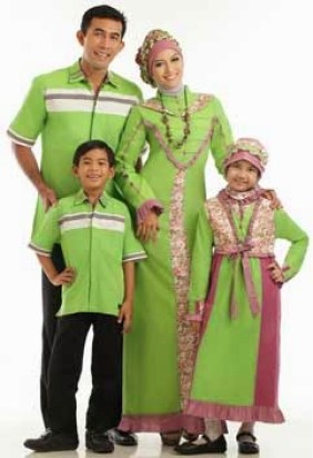 Model Baju Sarimbit Keluarga Plus 2 Anak Terbaru