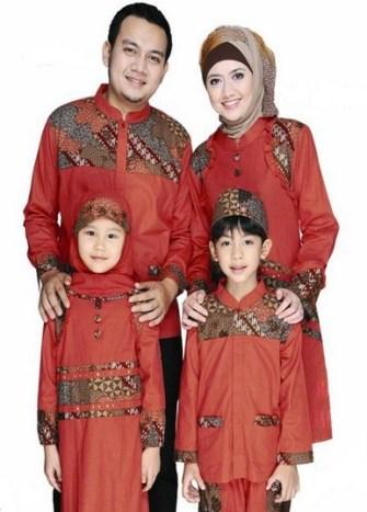Contoh baju batik seragam ayah ibu anak terbaru