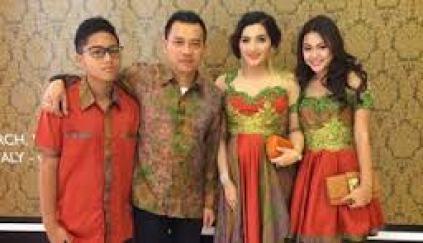 Model Baju Keluarga Anang Ashanty terbaru