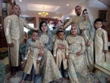 Model Baju Lebaran Keluarga Selebritis Modern Terbaru