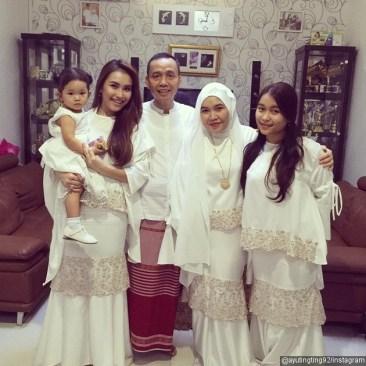 model-baju-batik-muslim-keluarga-terbaru