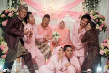 Baju Muslim Batik Seragam Keluarga untuk Lebaran