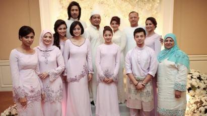 Model Baju Couple Keluarga Artis Untuk Lebaran Terbaru