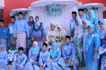 Desain Seragam Keluarga Pengantin Muslimah Modern