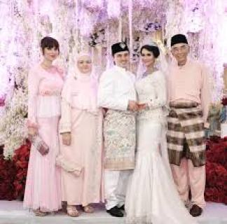 Koleksi Model Dress Brokat Pesta Modern Terbaru