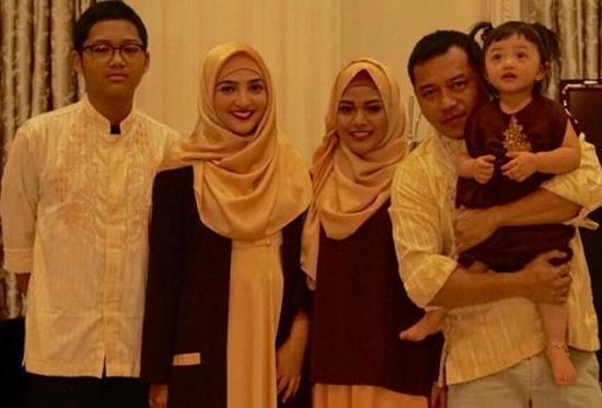 Baju muslim Lebaran Keluarga Anang Ashanty