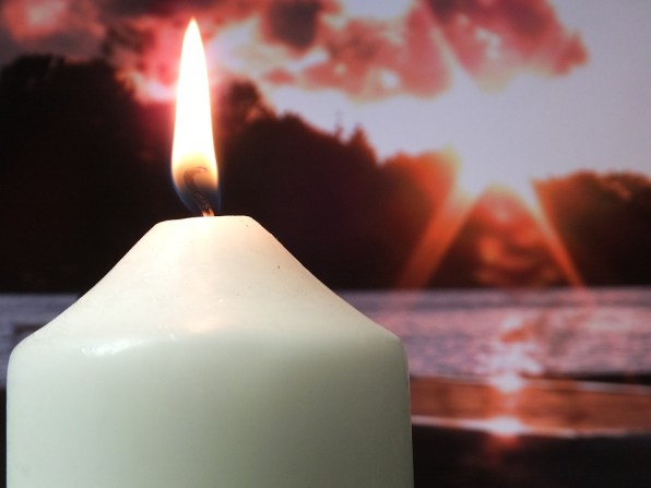 candle-838075_960_720