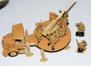 Zim's Gun truck & figures