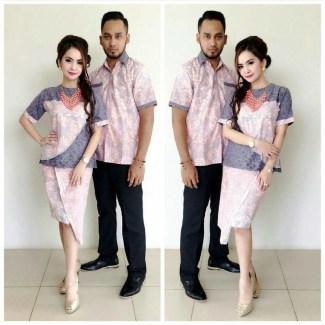 Baju Batik Couple dengan Warna Terang