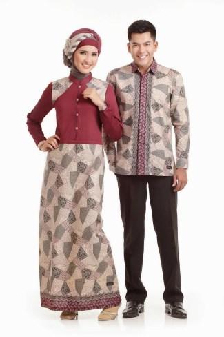 Baju Batik Couple untuk Pasangan Muslim