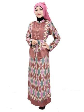 Baju Gamis Batik dengan Motif Tradisional 2017