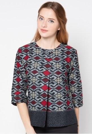 46 Pola Baju Atasan Batik Wanita Konsep Terbaru