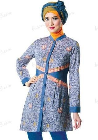 Model Baju Batik Kantor untuk Wanita Muslimah Terbaik
