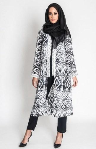 Model Baju Batik Muslim Bermotif Modern