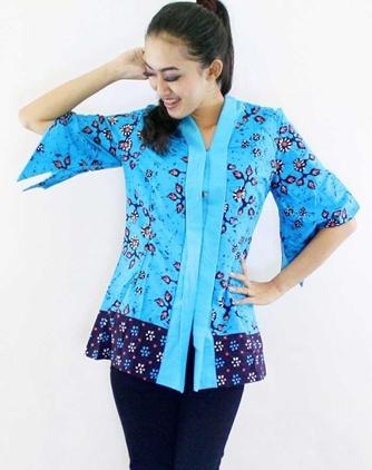54 Model Baju Batik Kerja Kantor Pria Wanita Terbaru
