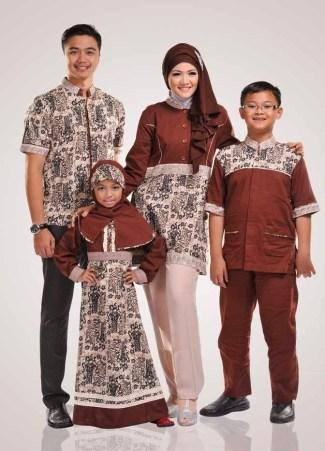 Model Baju Batik Couple untuk Keluarga dengan Gaya Terbaru