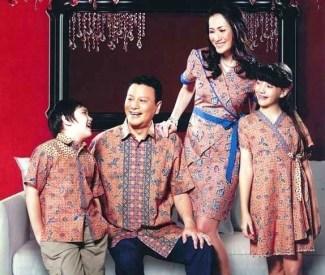 Model Baju Batik Couple untuk Keluarga Saat Hari Lebaran