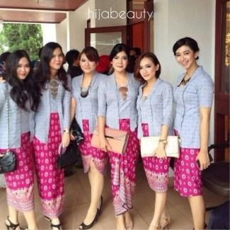 Model Baju Batik Kerja untuk Pegawai Bank Wanita Terpopuler