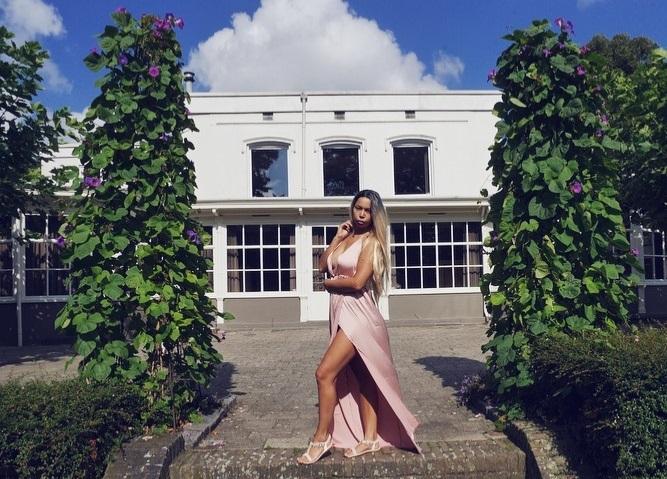 How to wear a maxi dress this season