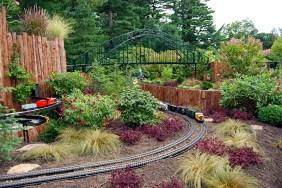 Garden Trains 00vljdnvjd
