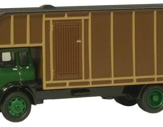 Oxford 76TK006 Bedford TK Horsebox - Green/Brown (OO gauge)