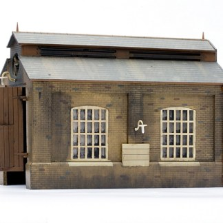 Dapol C007 Engine Shed (OO scale plastic kit)