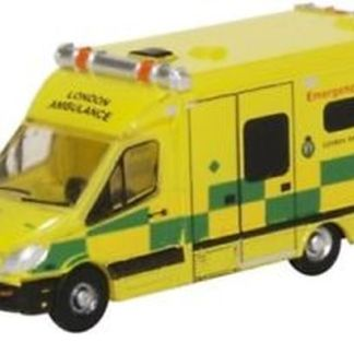 Oxford NMA002 Mercedes Ambulance - London (N gauge)
