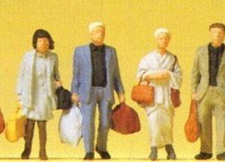 Preiser 14070 Walking Railway Travellers (6 figures OO/HO scale)