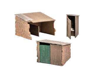 Wills SS19 Grotty Huts and Privy (OO gauge plastic kit)