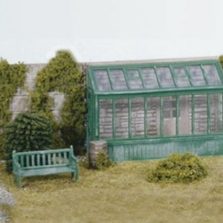 Wills SS24 Conservatory & Garden Seat and Water Butt (OO gauge plastic kit)