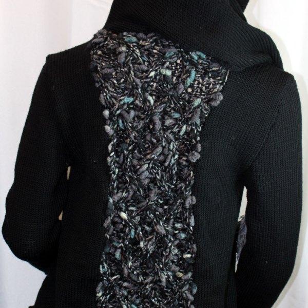 Veste féérique noire avec poche et torsade grises