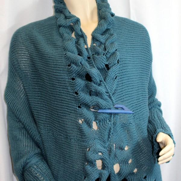 Vous cherchez une veste originale et enveloppante sans être étouffante, une seconde peau pour les soirées d'été? Alors la veste Lin Créatif est pour vous!