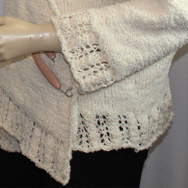 """Cache-cœur """"Plume d'oie"""" en coton, détail de la bordure au point """"Plume d'oie"""""""