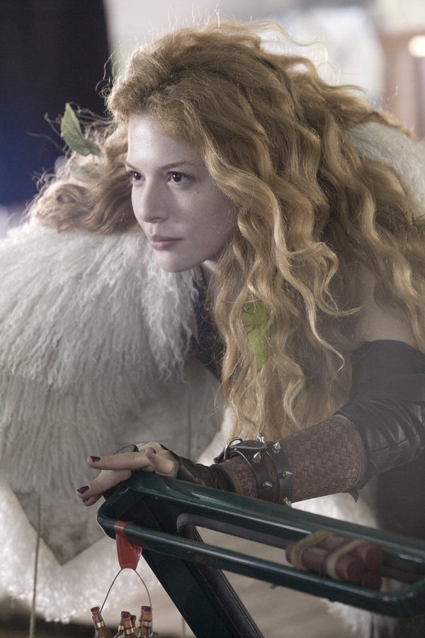 Racelle LeFevre in Twilight - click image for interviews from Collider with the entire cast of New Moon