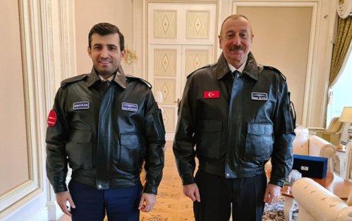 Bayraktardan Prezidentə hədiyyə - FOTO