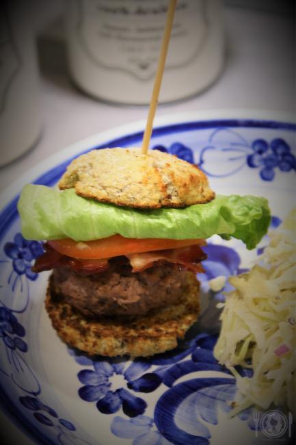 Wołowe burgery keto