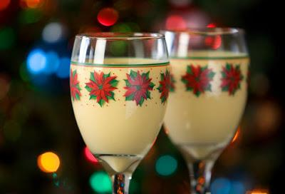 Everyone will enjoy this Non Alcoholic Better Than Eggnog Drink #Christmas2017