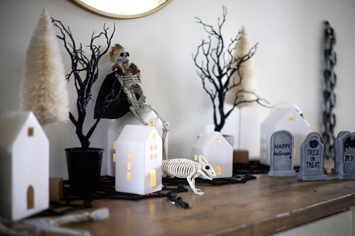 Cute Halloween Decorations featured by top Tennessee lifestyle blog Modern Day Moguls