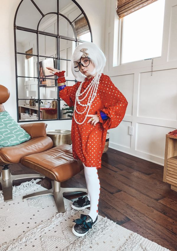 Iris Apfel Costume to Celebrate 100th Day at School