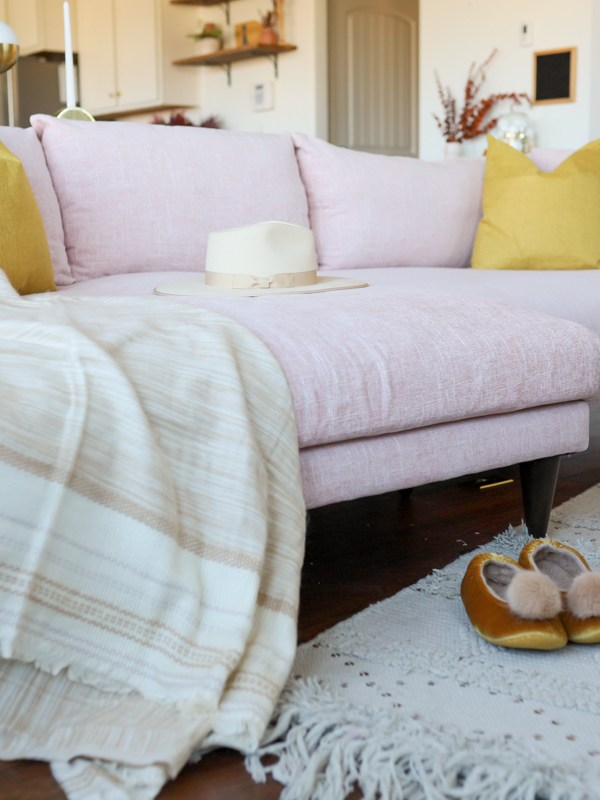 Colors That Accent Your Pink Couch