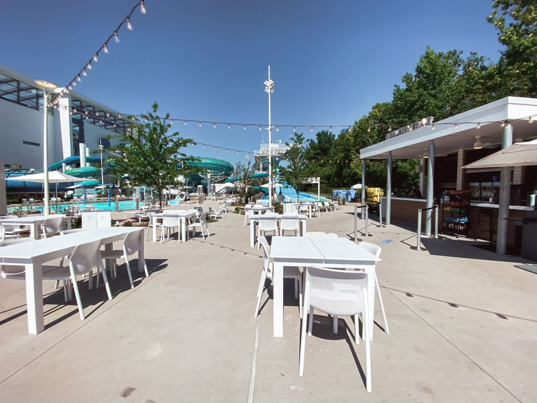 Soundwaves Water Park by popular Nashville blog, Modern Day Moguls: image of a Soundwaves snack and drink area.