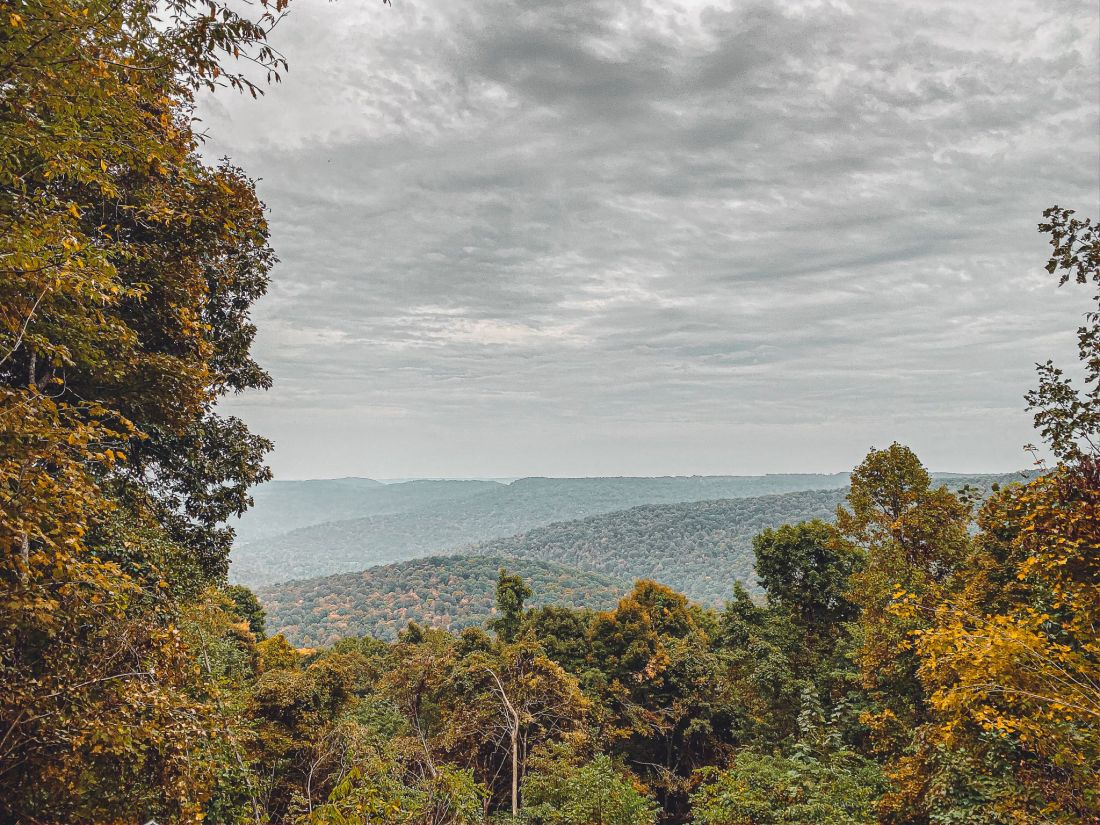 Glamping in Tennessee by popular Nashville lifestyle blog, Modern Day Moguls: image of the Tennessee mountains.