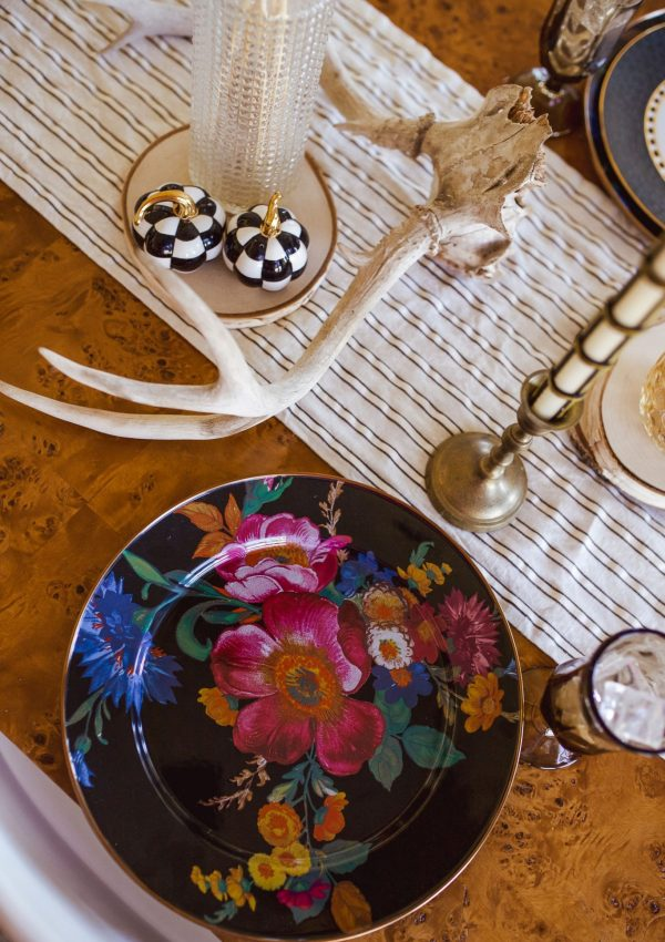 How to Transition Your Thanksgiving Tablescape to Christmas Tablescape
