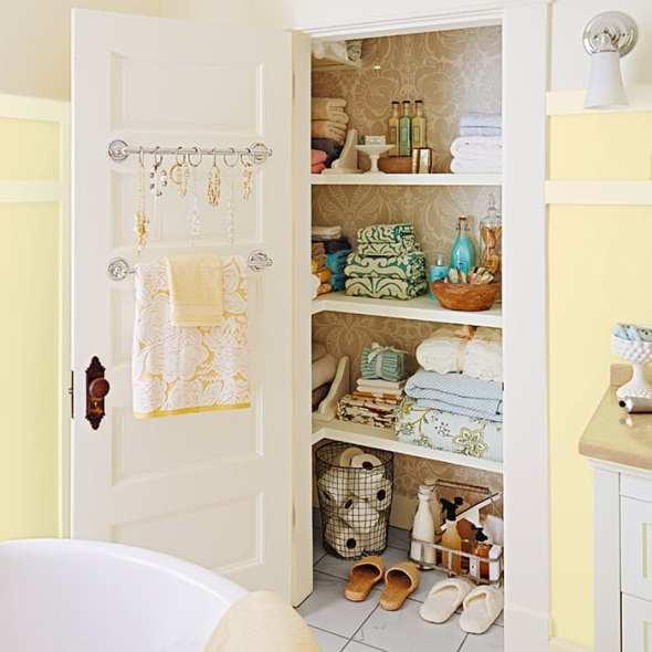 4bathroom-storage-smarts-102160687