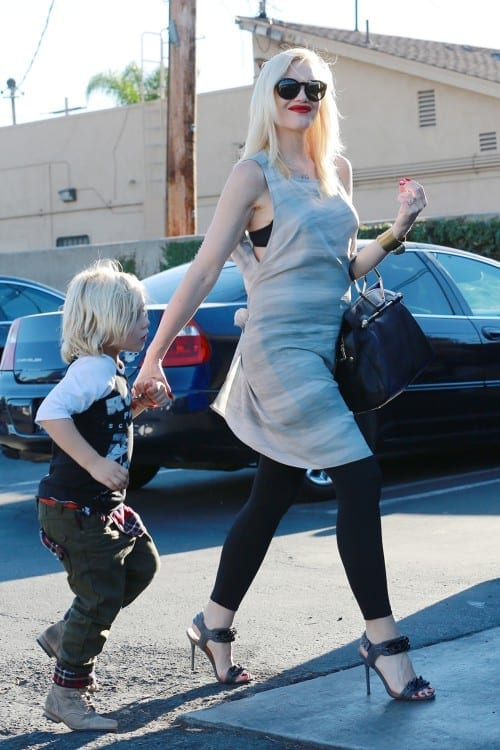 Gwen Stefani shows off her possible Baby Bump