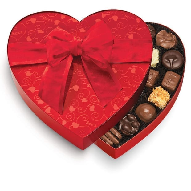classic-red-heart-chocolate-variety-643-candy-box-alt1
