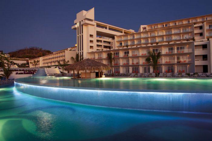 Secrets Huatulco Resort Amp Spa Wedding Modern Destination
