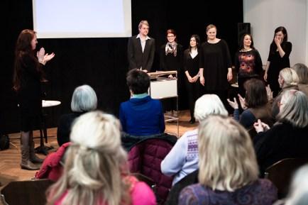 Applaus für die Teilnehmer des Projektseminars, Dank für die tolle Erfahrung und den Erfolg an: Niklas Plöger, Nina Pferdmenges, Derya Bozkurt, Mascha Romeike, Fida Soubaiti-El-Ali, Vanessa Peters und Miray Sen, die leider erkrankt war