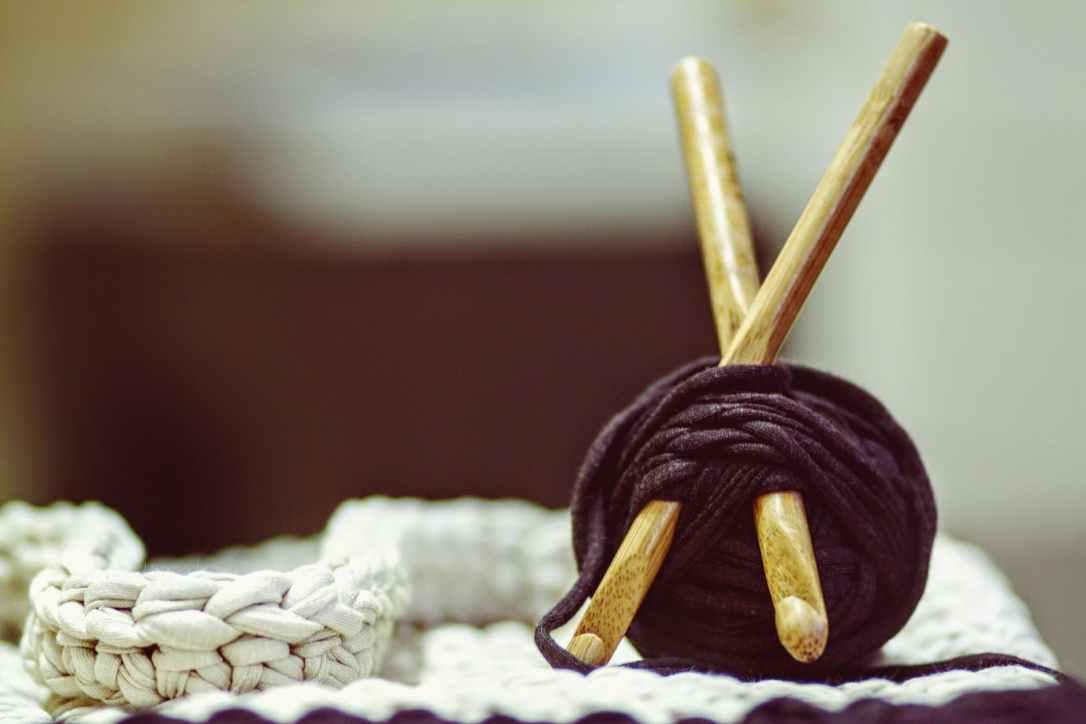 crocheting-yarn-diy-knitting-162499.jpeg