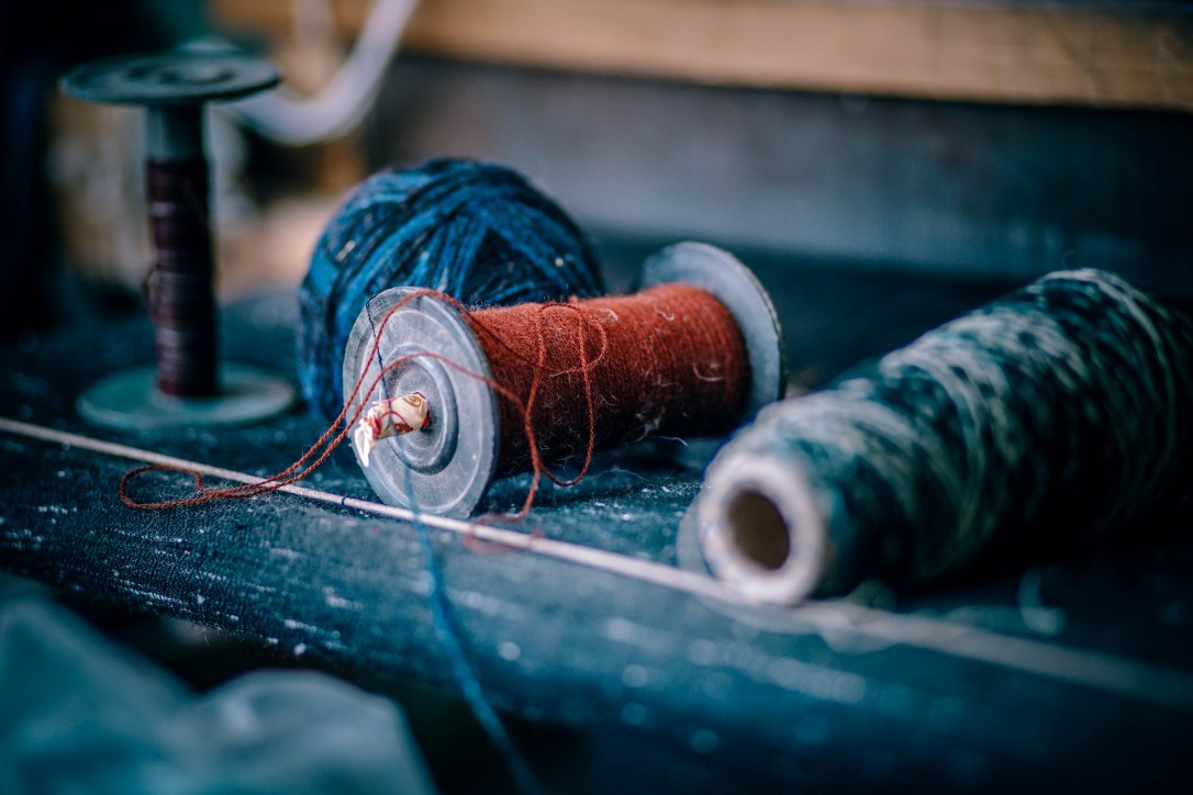Crafts mending thread spools